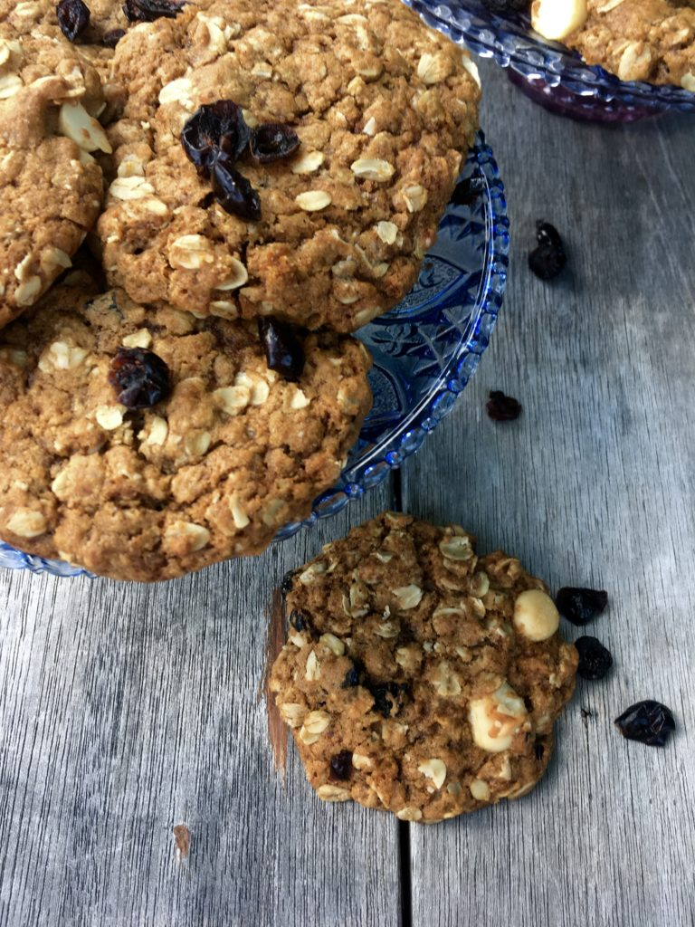 Chewy Holiday Oatmeal Cookie